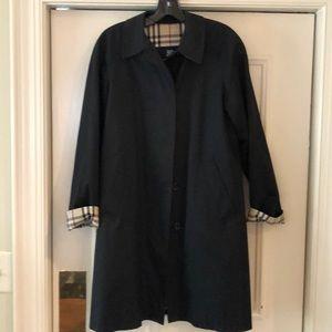 EUC Burberry trench coat